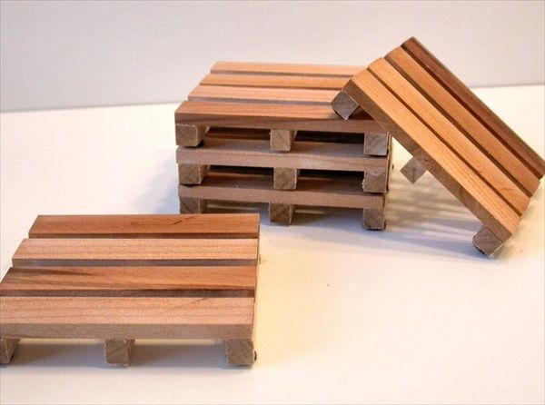 How to Make Wooden Pallet Coasters | Pallet Furniture DIY