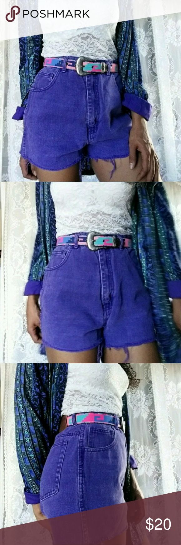 ▪Vintage▪ Purpose high Waisted shorts Message me with questions for a faster response :)  *Make an offer you might get a great deal! Ask about bundles♡♡♡  ♡•VINTAGE ITEM!!•♡   Purple denim High waisted shorts. In great condition, no visible flaws.   MEASUREMENTS (laying flat)  Waist: 14 inches  Hips: 18 and a half inches  Lenght: 14 inches   #purple #shorts #vintage #grunge #highwaitstedshorts #purpledenim #jeanshorts #purpleshorts #womensclothing Vintage Shorts Jean Shorts