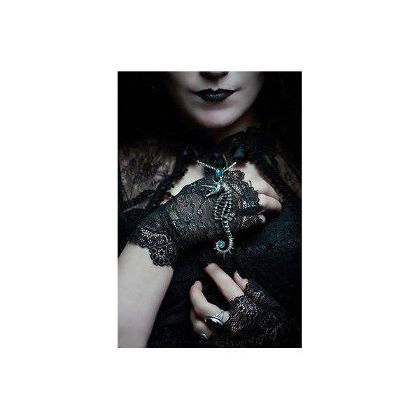 Craquez pour le Collier Gothique Aequicorn de la marque Alchemy Gothic représentant le Cheval des Mers! #Bijoux #Gothic #Jewelery #Pendant