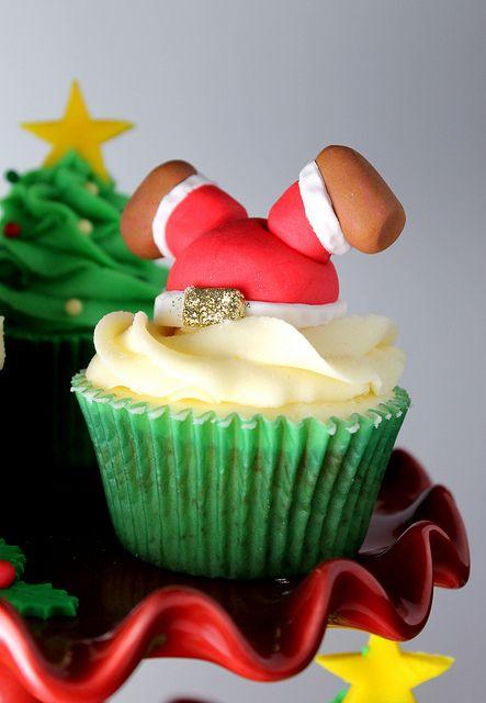 I think we need this for Christmas! #santacupcake #upsidedownsanta #christmascupcake