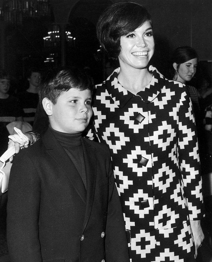 Mary Tyler Moore puts her arm around her son, Richard Meeker Jr., in 1968.  1980 was turning out to be a really good year for Mary Tyler Moore.  The iconic TV actress, beloved for her roles in The Dick Van Dyke Show and The Mary Tyler Moore Show, was receiving huge buzz for one of her most daring parts