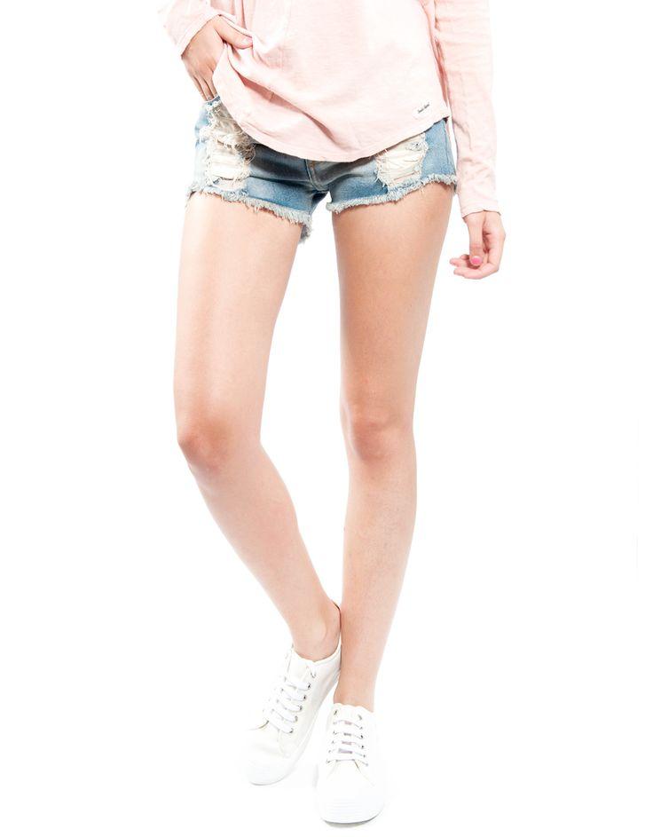 Shorts rotos acabado vainilla Double Agent 29,99€ www.doubleagent.es #fashion #clothes #ropa