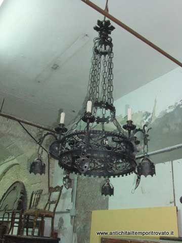 Oggettistica d`epoca - Lampadari e lampade - Grande lampadario antico in ferro - Immagine n°3