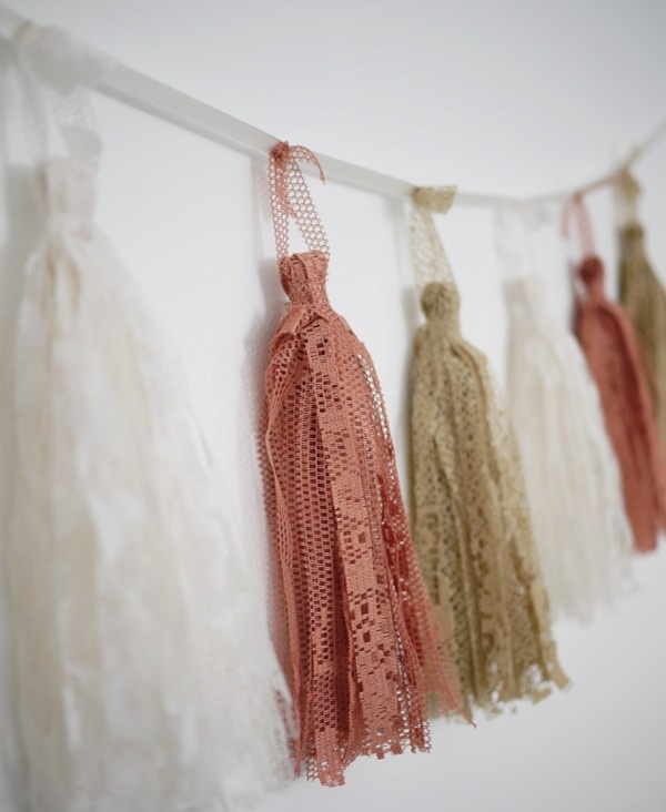 Tassels made of lace.
