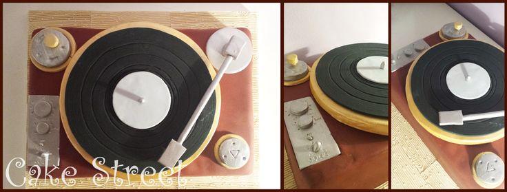 Vintage DJ Cake!