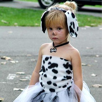 Some day I will have a daughter and do this with her for halloween. Haha! Cute