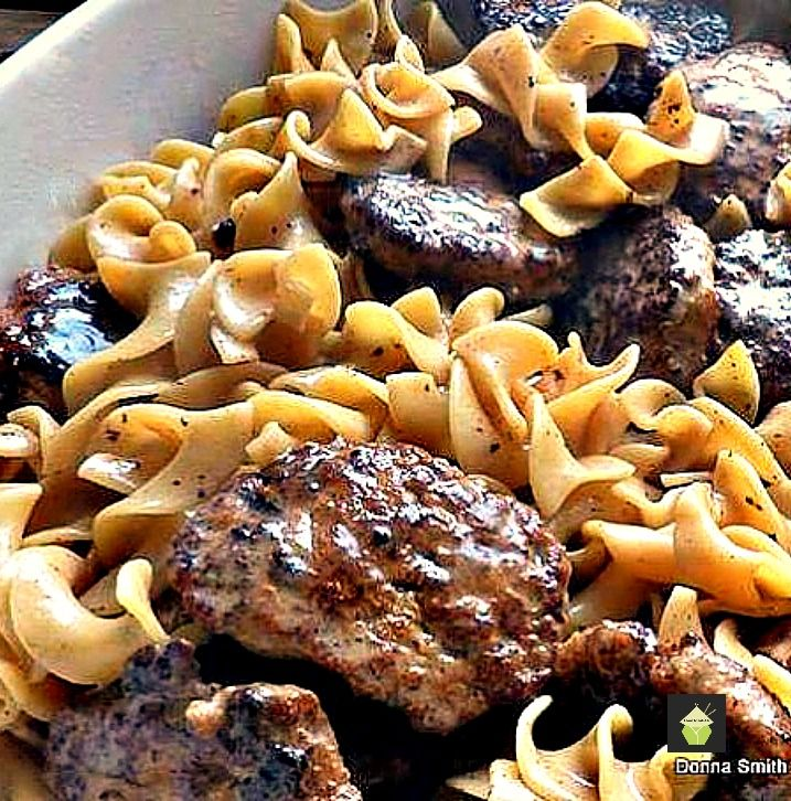 Frikadeller Meat Patties with Sauce - This is absolutely delicious!  #frikadeller #groundmeat #dinner