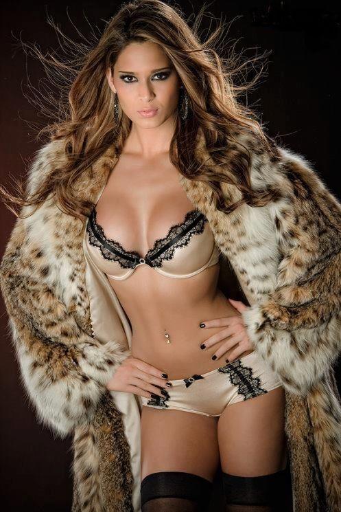 Sensual and elegante babe makes love 9