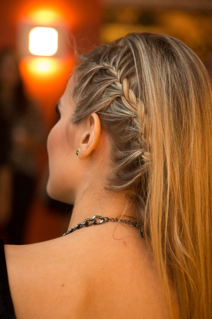 Penteado trança lateral // braid #blonde #details #updo