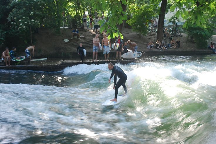 Surf à Munich - Jardin anglais - Bavière - https://www.facebook.com/destinationbaviere