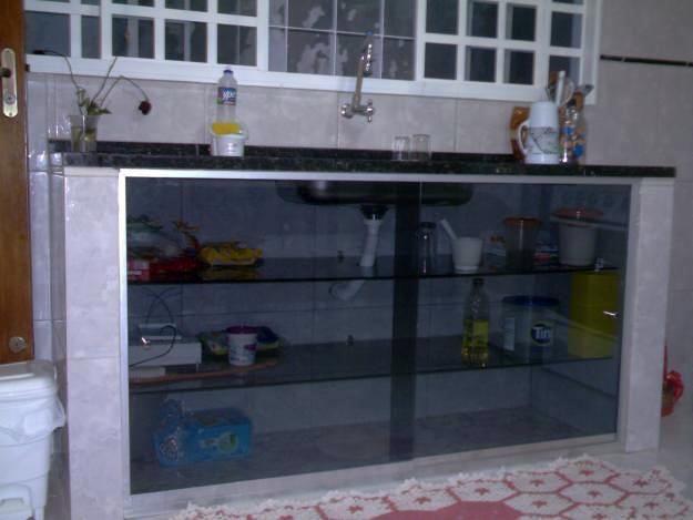 Armario De Cozinha De Alvenaria E Vidro Foto Armario De Vidro