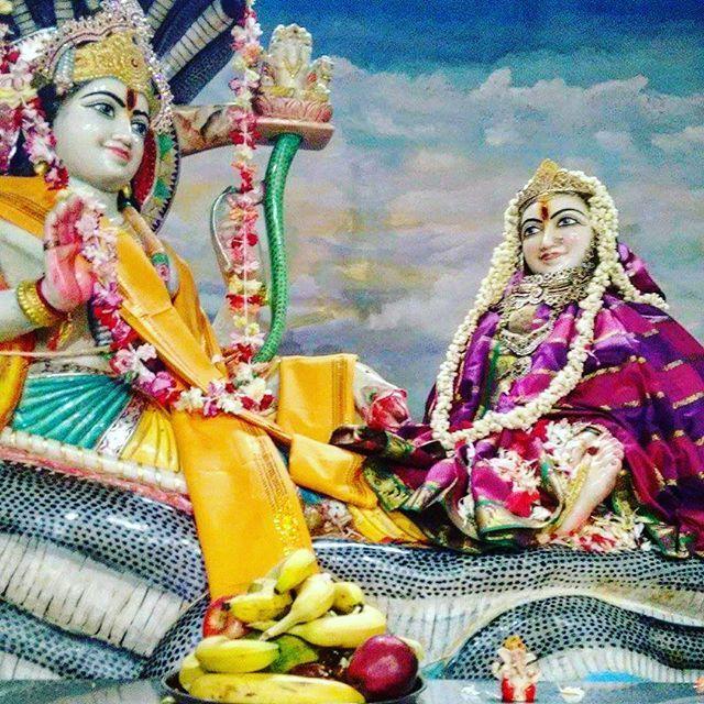 lord vishnu with laxmi - photo #27