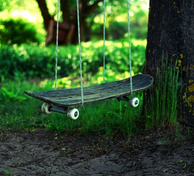 DIY   Upcycled Skateboard Swing     I Think This Would Be Great In The Yard  For Kids!