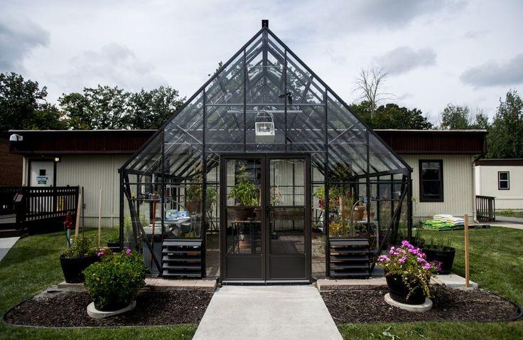Saginaw VA hospital adds parking, a greenhouse and 4-season pavilion | MLive.com