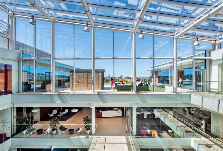 For the outer pane, Pilkington Suncool 50/25 was used - a solar control glass that reduces transmission of energy from the sun to just 25 per cent, achieving a thermal insulation U-value of 1.0 W/m2K while allowing 50 per cent transmission of daylight.
