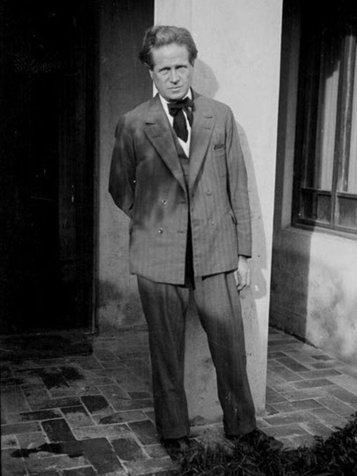 Walter Burley Griffin at Castlecrag, 1930
