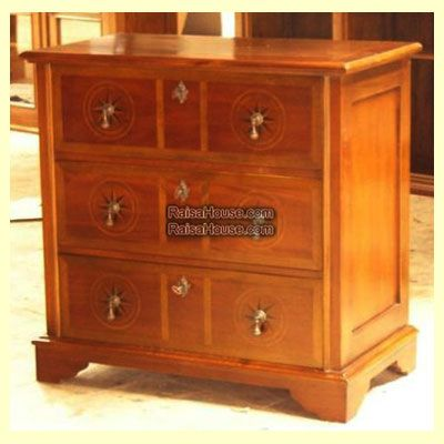 3 Drawers Inlay Chest Refrence : RBS 025 Dimension : 90 x 50 x 87 cm Material : #WoodenMahogany Finishing : #Custom Buy this #Bedside for your #homeluxury, your #hotelproject, your #apartmentproject, your #officeproject or your #cafeproject with #wholesalefurniture price and 100% #exporterfurniture. This #3DrawersInlayChest has a #highquality of #AntiqueFurniture #FurnitureWarehouse #WoodenFurniture #GalleryFurniture #IndustrialFurniture #FurnitureOnline