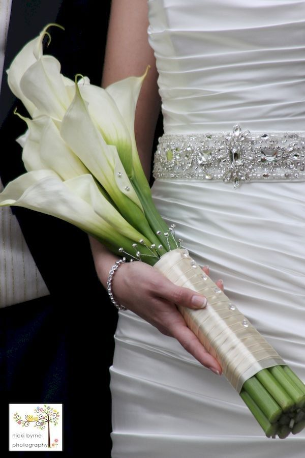 Elegant calla lilly boutonniere for perfect wedding (22)