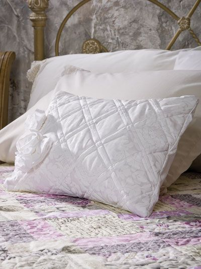 Free Pillow Quilting Patterns - Page 1 & 64 best Throw pillows images on Pinterest | Cushions Country ... pillowsntoast.com