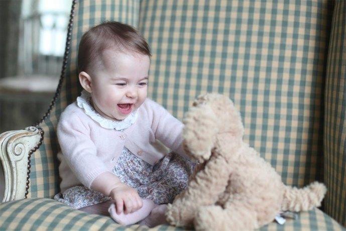 Prinses Charlotte krijgt eigen lippenstift - Het Nieuwsblad: http://www.nieuwsblad.be/cnt/dmf20160208_02115638