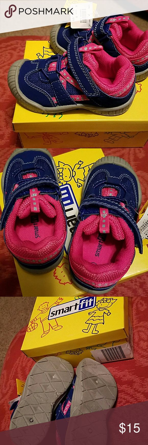 Smartfit Girls Tennis Shoes Size 8.  Brand new with tag and in box. Smartfit Shoes Sneakers