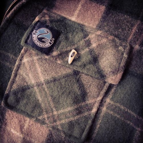 mcqbushcraft:  Stitched some antler buttons on the #swanndri #bushcraft #woolshirt