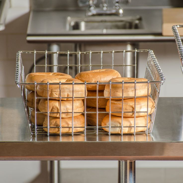 "Choice Level Top Wire Bagel Basket - 14"" x 20"""