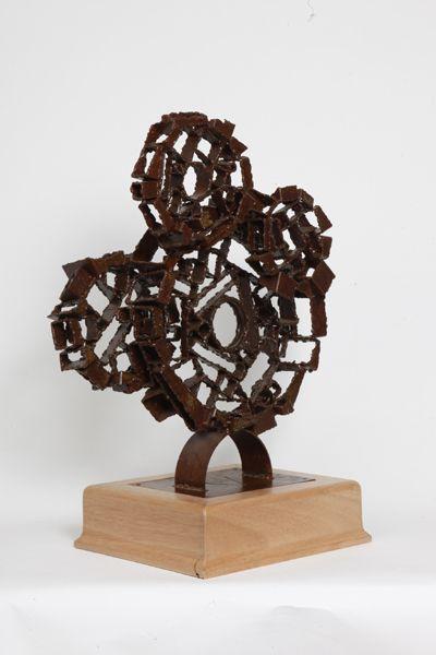 Akelo Andrea Cagnetti - STRANGE MECHANISM #2  (A. 55,3 cm; L. 37,7 cm; P. 25,4 cm) Scultura Metallo