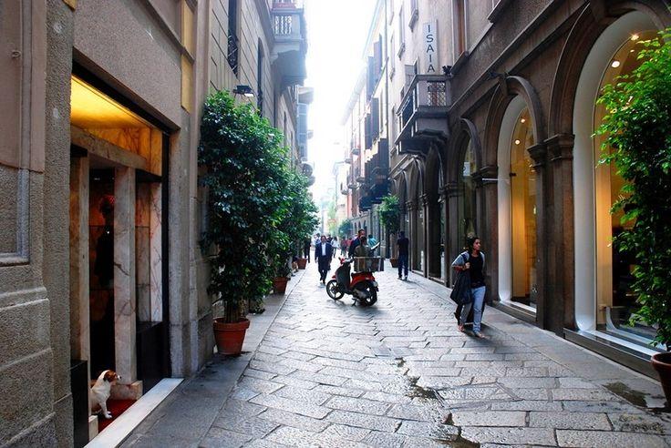 Guía de compras en Milán: Via della Spiga   Segunda parte - http://www.absolut-milan.com/guia-de-compras-en-milan-via-della-spiga-segunda-parte/