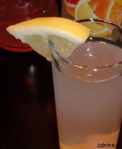 Prosty drink o bardzo cytrusowym smaku dla osób o mocnej głowie, które lubią mocne alkohole.