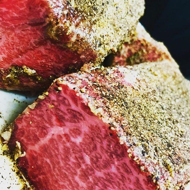 #ワイン #本日ニクの日 #肉の日 #武蔵小山 #戸越銀座 #焼肉 #肉 #三幸苑 #29 #本日肉の日 #shinagawa #tokyo #japan #beef #yakiniku #和牛 #ザブトン #ミスジ #トモサンカク #ミートテック #meet
