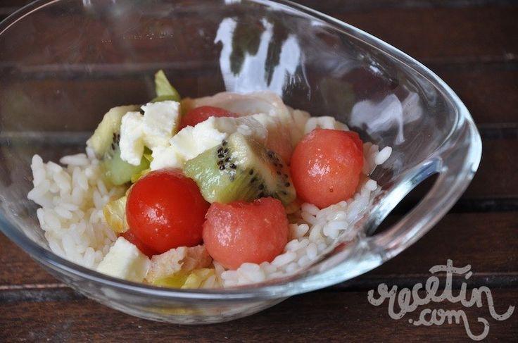 Ensalada de sandía y arroz # Para comer... algo fresquito. Es lo que apetece: comidas ligeras, frías, con mucha agua, para que nos ayuden a refrescarnos. La ensalada de hoy, con sandía, es así porque está pensada para los días más ... »