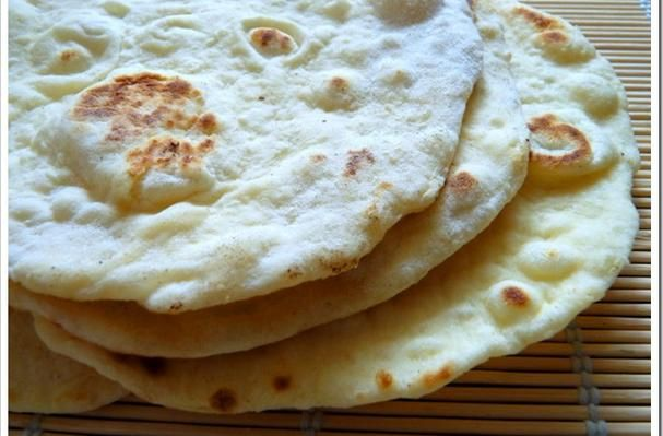 Naan! Glorious naan! hmmm, hmm, hmm I don't know anymore words to that Oliver Twist song…..  I love naan.  It almost pains me to say it because it almost feels cliché.  I think everybody who has had it pretty much loves it.  If you haven't had n