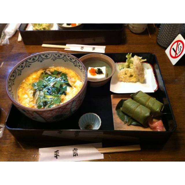 Hirasou kakinoha-Sushi