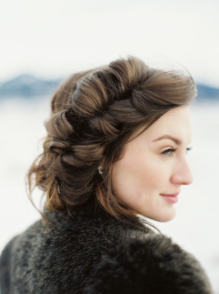 Photography: Simply Sarah Photography - http://simplysarah.me Hair + Makeup: Indulgence - http://indulgencemontana.com   Read More on SMP: http://www.stylemepretty.com/2017/01/13/saying-i-do-in-snowy-winter-mountains-never-looked-so-pretty/