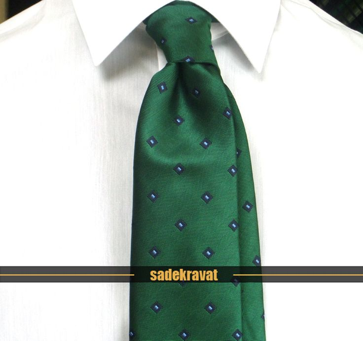 7,5 cm genişlikte yeşil mavi lacivert küçük desenli kravat, www.sadekravat.com/yesil-mavi-lacivert-kucuk-desenli-kravat… #kravat #kravatım #kravatlar #kravatmodelleri #erkekmoda #sadekravat #erkekakseuar #2015ilkbahar #2015kravatmodası #gömlek #ceket #mendil #incekravat #klasikkravat #sporkravat #yünkravat #ipekkravat #ketenkravat #mensfashion #tie #tieoftheday #pocketsquare