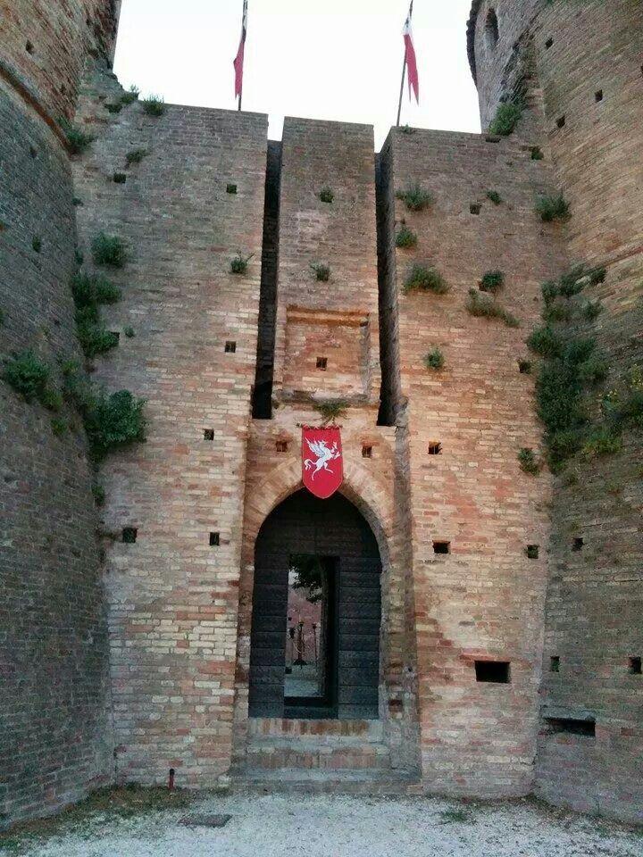 Rocca a brisighella - 44°13′00″N 11°46′00″E