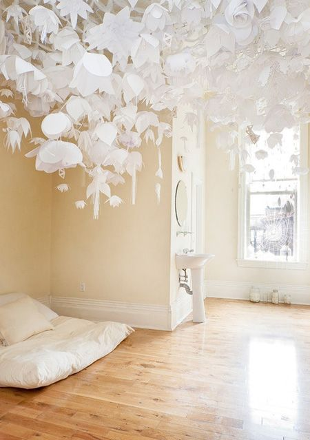 Lovely Lovely Paper DIY inspiration: Paper Cut, Paper Decor, Idea, Flowers Installations, Hanging Paper Flowers, Paper Artworks, Paperart, Bedrooms, Paper Installations
