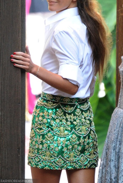 awesome skirt pared down with a crisp white cotton shirt! I love this!