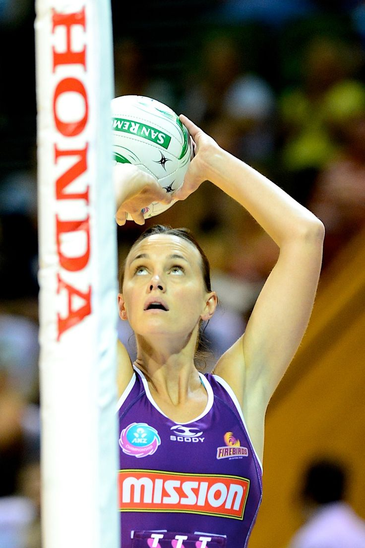 Medhurst finding her range - ONE of the fascinating contests within the contest this afternoon will be watching how the shooting tallies build for the respective goal attacks from the Adelaide Thunderbirds and Mission Queensland Firebirds.