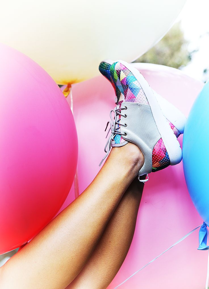 She is like a RAINBOW! #keepfred #fred #sneakers #shoes #outfit #style #fashion #new #collection #spring #colors #women #rainbow #balloons