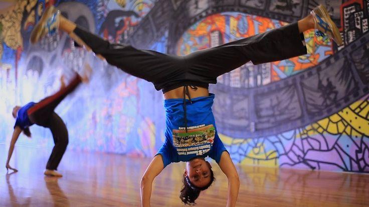 Capoeira Crush - Amazing Women Capoeiristas! ---- Mestra Marisa Cordeiro - Gingarte Capoeira Chicago, IL  Professora Minha Velha - Capoeira Batuque South Bay, CA Professora Pavão  - Capoeira Brazil LA, CA Professora Gata Brava - Capoeira Morro Verde, PA Professora Raposa  - Capoeira Batuque LA, CA Professora Fogueira - UCA Berkley, CA  Professora Formiguinha  - Capoeira Ijexá SF, CA Professora Budinha - Capoeira Batuque LA, CA