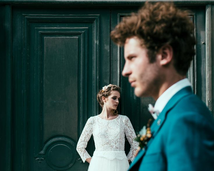 Un petit aperçu de nos nouvelles créations #mariage #wedding #noeudpapillon #robesurmesure #costumedemarié #chrisvonmartial #chic #homme #chrisvonmartial #nouvellecollection #look #men #mode #tennue #robedemariée #chrisvonmartial #couture #mariee #mariage #weddinginspiration #luxuryfashion #womensfashion #womenswear Crédit photos  Photo: https://www.facebook.com/GeorgeAlfredphotographes costume: http://www.chrisvonmartial.com/