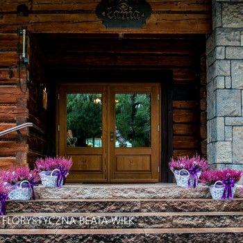 wrzos - dekoracja sali weselnej świece kosze wiklinowe
