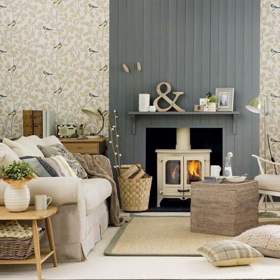 Love the wood effect on the chimney. Especially against the patterned paper.