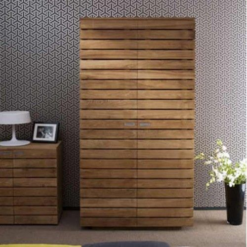 This piece combines contemporary good looks with the rustic beauty of the teak wood to create a functional yet stunning piece to compliment any bedroom.  Dimensions : 100X55X200cm