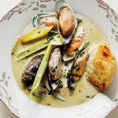 Taste Mag | Thai mussels @ http://taste.co.za/recipes/thai-mussels/
