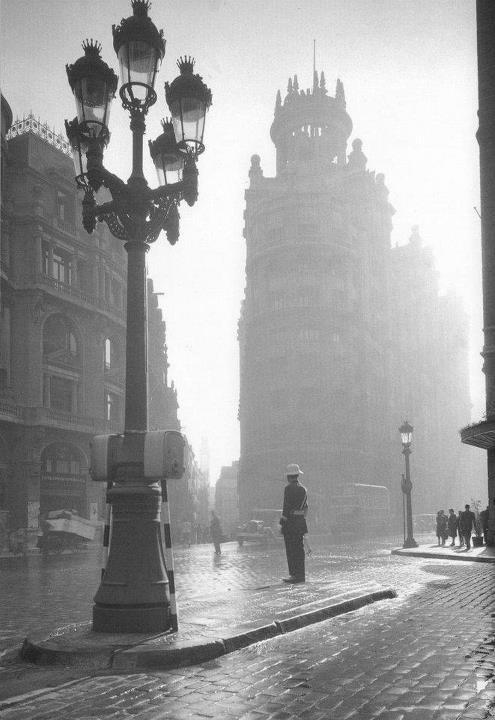 Via Laietana, años 40 by Francesc Català Roca