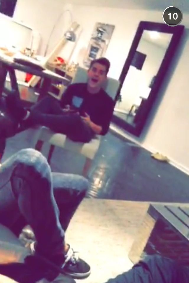 Connor hanging out at Kian's JC's and Ricky's house! Via: Kian's snapchat