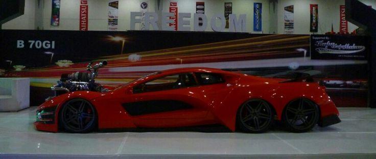 Hot Import Night #extreme #custom #car #sixwheeler
